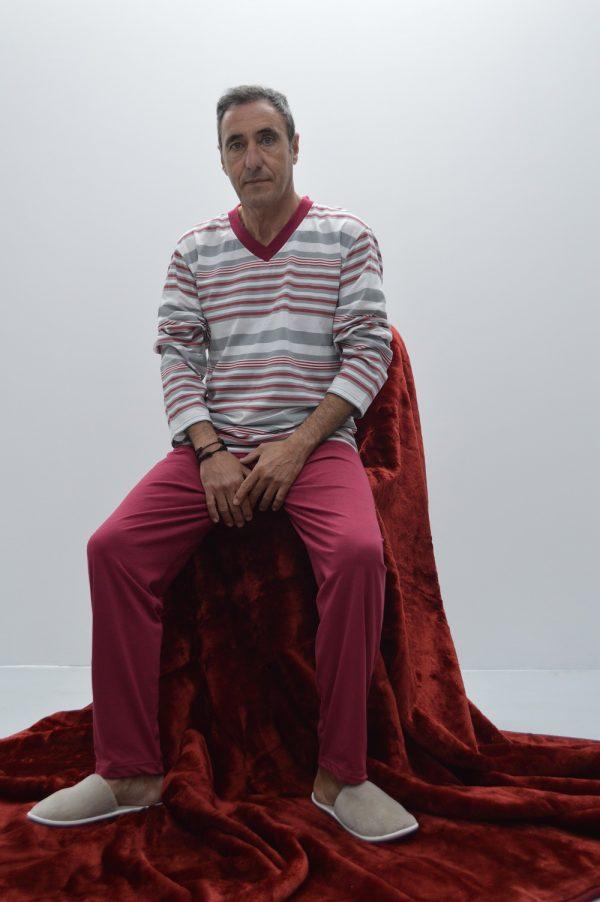 pijama decote em V riscas