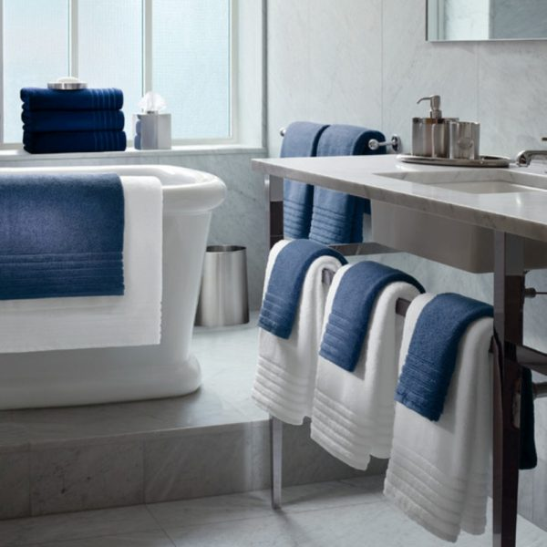 Toalhas de felpo 100% algodão com barra algodão ton/ton. Modelo de hotelaria. Banho e spa. Pode ser feito em vários tamanhos e cores.